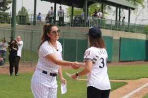Desafio de Softbol entre esposas de jogadores da MLB
