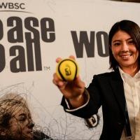 Ayaku Rokkaku fala do crescimento do beisebol feminino no Japão